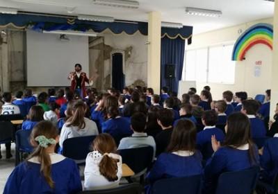 """Concluso il viaggio di Capitan Eco nelle scuole. Manfredonia ha un """"nuovo esercito"""" di 2.265 sentinelle a difesa dell'ambiente e della città"""